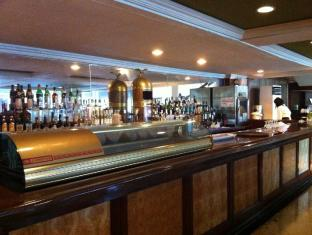 Hotel Rembrandt Quezon City Manila - Lobby Lounge