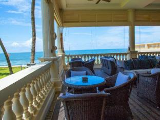 Galle Face Hotel Colombo - Terrace at The Traveller's Bar