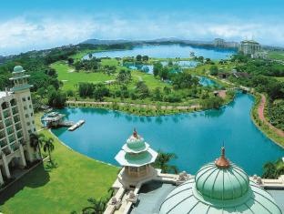 Palace Of The Golden Horses Hotel Kuala Lumpur - Overlooking the scenic Lake