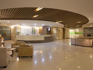 Areca Lodge Hotel Pattaya - Lobby Evergreen Building