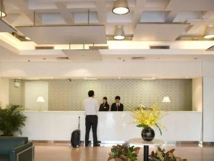 The Anne Black – YWCA Hotel Hongkong - Rezeption