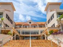 Ramada Hotel Hope Harbour: exterior