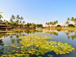 Candi Beach Resort and Spa Bali - Omgeving
