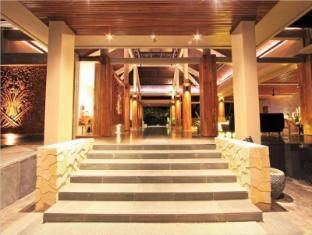 Candi Beach Resort and Spa Bali - Entree