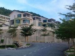 Cheap Hotels in Penang Malaysia   Bayu Ferringhi Villa