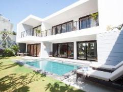 Villa Skye Dee | Indonesia Hotel