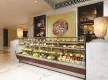 Royal Hotel: food and beverages