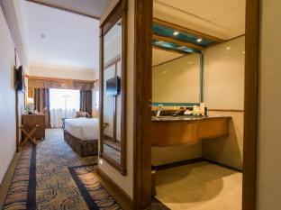 Sintra Hotel Makau - Kamar Mandi