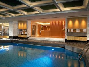 Kowloon Shangri-la Hotel Hong Kong - Swimming Pool