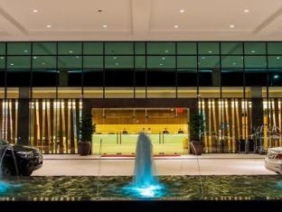 Imperial Hotel Kuching - Entrance