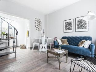 West Kensington by onefinestay