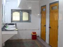 20th Street Hostel: bathroom