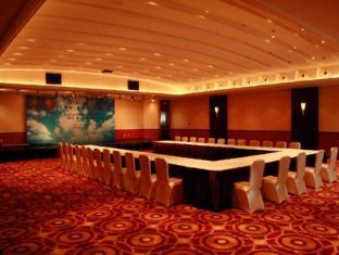 Broadway Mansions Hotel Shanghai - Ballroom