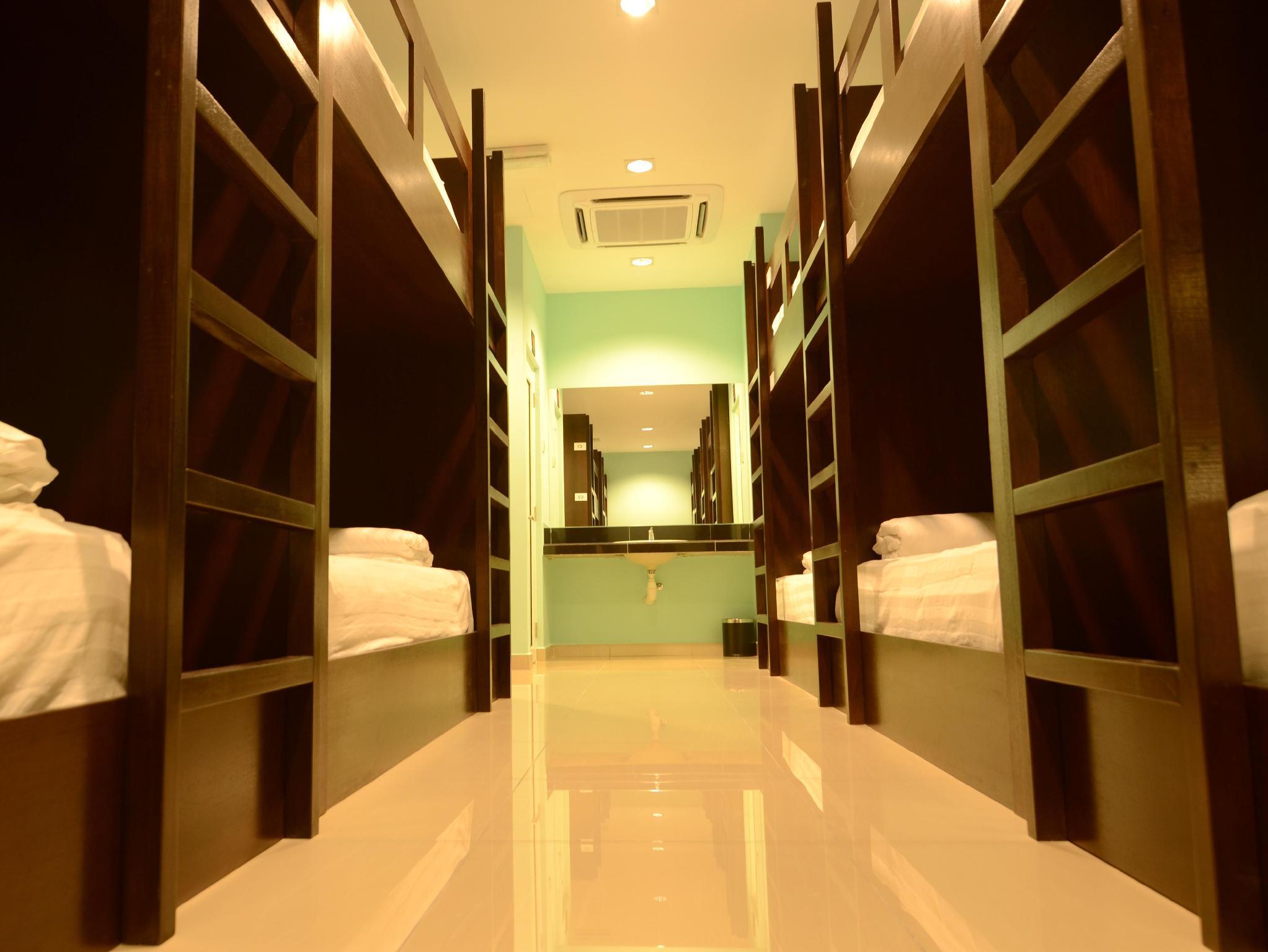 スリ パッカーズ ホテル KLIA1