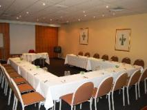 Quest on Lonsdale Melbourne Apartments: meeting room