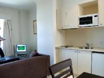 Quest on Lonsdale Melbourne Apartments: kitchen