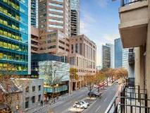 Quest on Lonsdale Melbourne Apartments: balcony/terrace