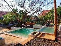 Shunya Kaju Varo Villa: garden