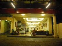 Pleasant View Hotel: entrance