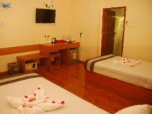Pleasant View Hotel: guest room