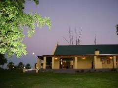 De Denne Country Guest House | Cheap Hotels in Oudtshoorn South Africa