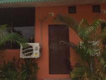 Vang Vieng Mai Guesthouse: exterior