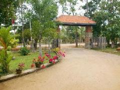 Royal Green Garden Hotel | Sri Lanka Budget Hotels