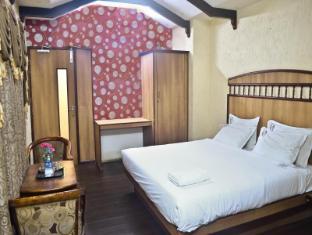/ss-hotels/hotel/tiruppur-in.html?asq=jGXBHFvRg5Z51Emf%2fbXG4w%3d%3d