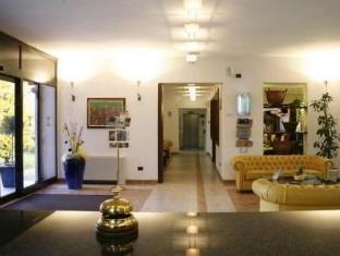 /fr-fr/hotel-imperial/hotel/bologna-it.html?asq=vrkGgIUsL%2bbahMd1T3QaFc8vtOD6pz9C2Mlrix6aGww%3d