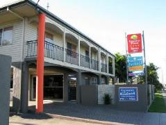 Australia Hotel Booking | Country Plaza Motor Inn