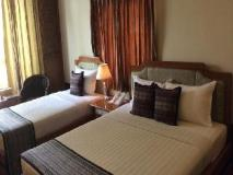 Shwe Taung Tarn Hotel: guest room