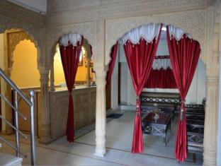 /hotel-sohan-deep/hotel/jaisalmer-in.html?asq=jGXBHFvRg5Z51Emf%2fbXG4w%3d%3d