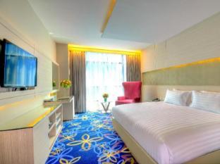 원 원 방콕 호텔