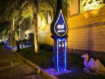 Dubai Motel: exterior