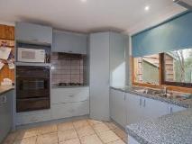Austin Sunrise Beach House: kitchen