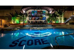 /de-de/score-birds-hotel/hotel/angeles-clark-ph.html?asq=vrkGgIUsL%2bbahMd1T3QaFc8vtOD6pz9C2Mlrix6aGww%3d