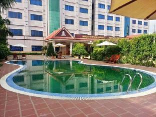 /new-pursat-century-hotel/hotel/sampov-meas-kh.html?asq=jGXBHFvRg5Z51Emf%2fbXG4w%3d%3d