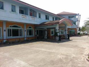 /north-shores-inn/hotel/currimao-ph.html?asq=jGXBHFvRg5Z51Emf%2fbXG4w%3d%3d