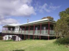Big Picture Holiday House | Australia Budget Hotels