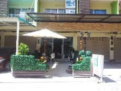 Bangsean Room Female Dormitory | Thailand Cheap Hotels