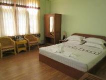 Sandalwood Hotel: guest room