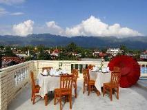 Sandalwood Hotel: balcony/terrace