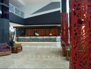 Rydges Tradewinds Hotel Cairns - Reception