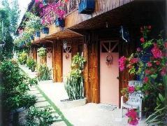 Tierra Azul Beach House | Philippines Budget Hotels
