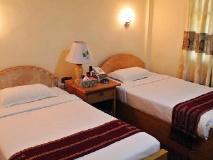 Grand Empire Hotel: guest room