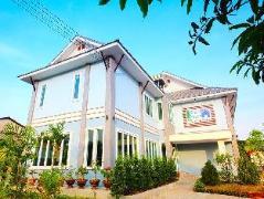 Blue House Sukhothai | Thailand Cheap Hotels