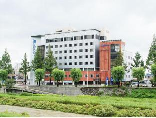 /sv-se/jeonju-jk-guesthouse/hotel/jeonju-si-kr.html?asq=vrkGgIUsL%2bbahMd1T3QaFc8vtOD6pz9C2Mlrix6aGww%3d