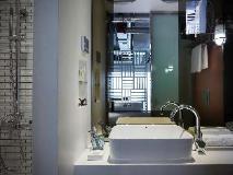 Ovolo Southside – 64 Wong Chuk Hang Road: bathroom