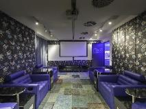 Ovolo Southside – 64 Wong Chuk Hang Road: meeting room