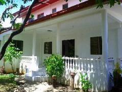 Hotel in Philippines Cebu | Luzmin BH - White House